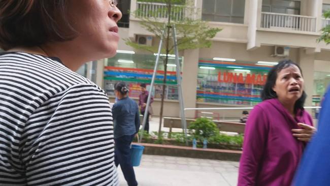 Hà Nội: Người phụ nữ bị bắn 2 phát súng nghi do mâu thuẫn vợ chồng tại chung cư   - Ảnh 2.