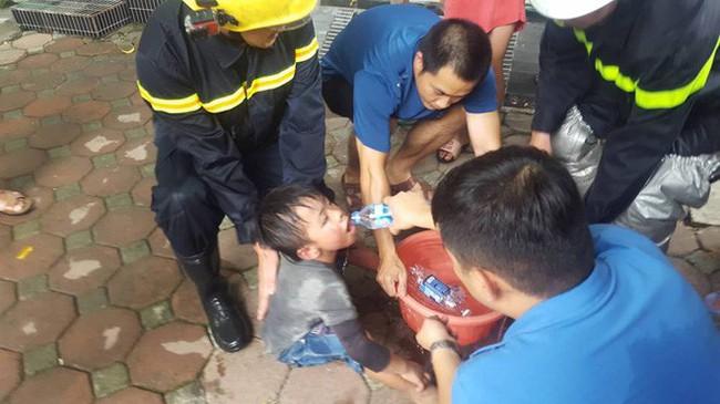 Vụ cháy xưởng sofa tại biệt thự ở KĐT Trung Văn: 1 người tử vong, 4 người bị thương - Ảnh 4.
