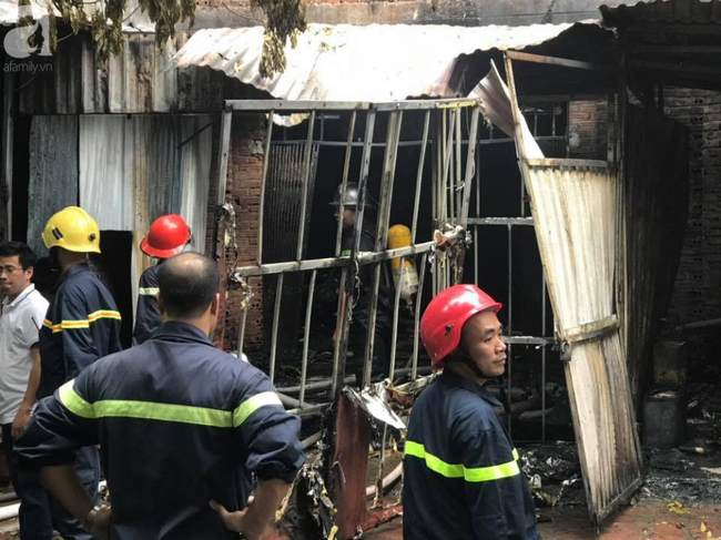 Vụ cháy xưởng sofa tại biệt thự ở KĐT Trung Văn: 1 người tử vong, 4 người bị thương - Ảnh 2.
