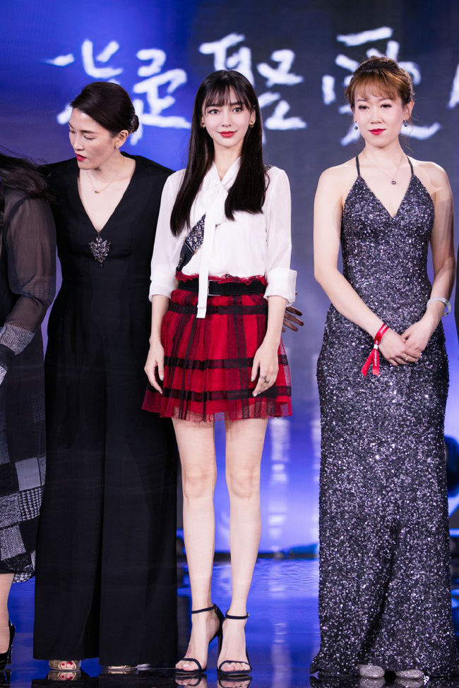 Gầy mặc gì cũng đẹp là có thật: cứ nhìn Angela Baby và Suzy cùng diện một mẫu váy là rõ - Ảnh 3.