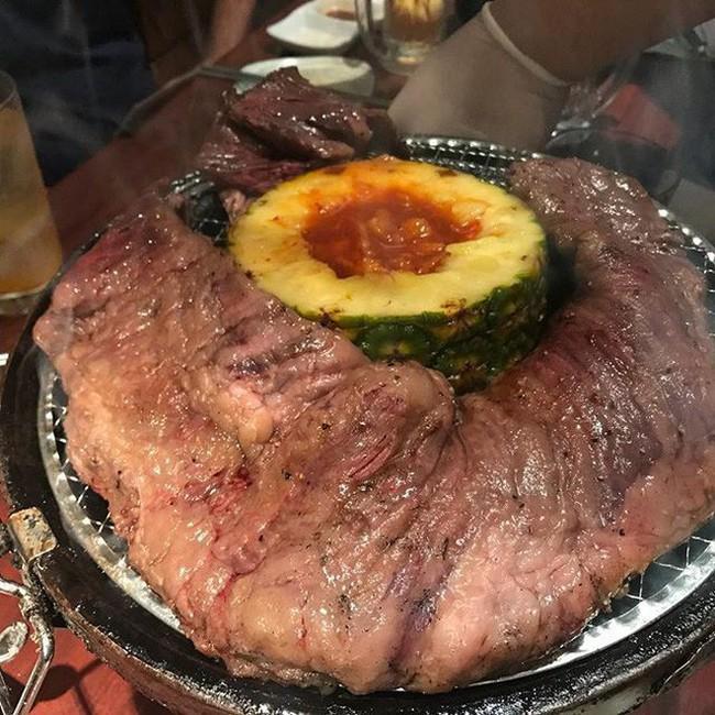 Cũng vẫn bán thịt bò nướng như nhiều chỗ nhưng tại sao cửa hàng tại Nhật này lại khiến cộng đồng mạng dậy sóng? - Ảnh 8.