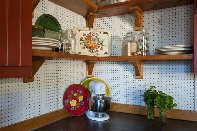 Nhanh tay sử dụng thiết kế bảng đục lỗ đang ngày càng hot để lưu trữ đồ gia dụng siêu gọn cho nhà bếp  - Ảnh 3.