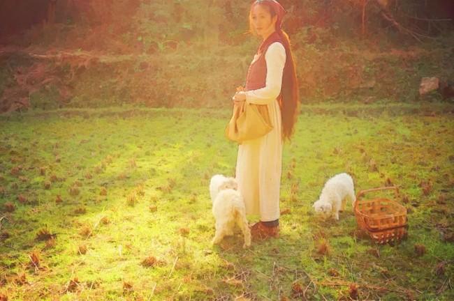 Ngôi nhà trên núi đẹp như tranh vẽ và cuộc sống bình lặng của cô gái tự nhận mình là cô bé Lọ Lem - Ảnh 14.