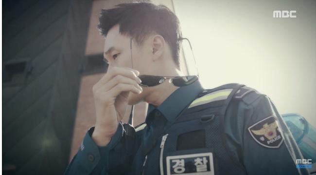 Chết cười xem cảnh So Ji Sub hóa thân thành cảnh sát, sát thủ rồi tới... James Bond - Ảnh 5.