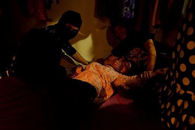 Cảnh Lan cave bị hiếp dâm chạm đáy cảm xúc người xem, fan đua nhau khủng bố tin nhắn Facebook diễn viên Thanh Hương - Ảnh 1.
