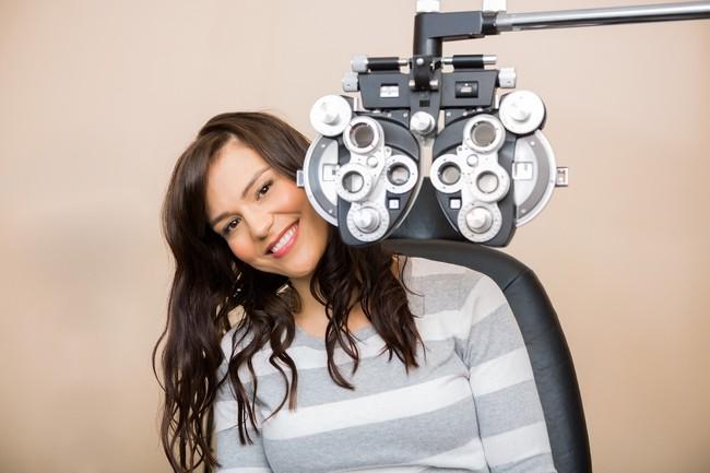 7 thói quen có thể bạn vẫn làm hàng ngày mà không nhận ra như thế là làm hại chính đôi mắt của mình - Ảnh 3.