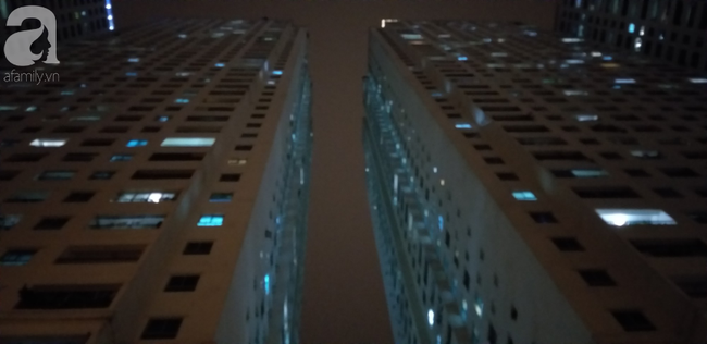Vụ bé sơ sinh rơi từ tầng cao ở chung cư Linh Đàm: Cảnh sát phát hiện cô gái nghi vấn ở tầng 31 - Ảnh 8.