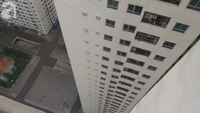 Vụ thai nhi rơi từ tầng 31 chung cư HH Linh Đàm: Đôi nam nữ có biểu hiện buồn trước đó một ngày - Ảnh 2.