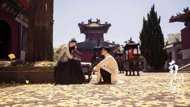 Đỏ mặt với cảnh Lưu Diệc Phi liên tiếp hôn môi trai trẻ kém tuổi đến 5 lần  - Ảnh 16.