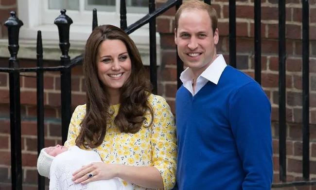 Công nương Kate Middleton từng làm điều này ngay sau khi sinh và công chúng hy vọng Meghan sẽ không lặp lại - Ảnh 1.