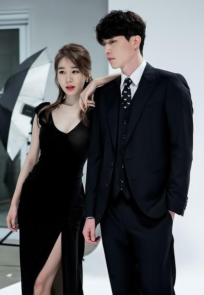 Lee Dong Wook lại khiến fan rụng tim với loạt ảnh đẹp trai hút hồn - Ảnh 7.