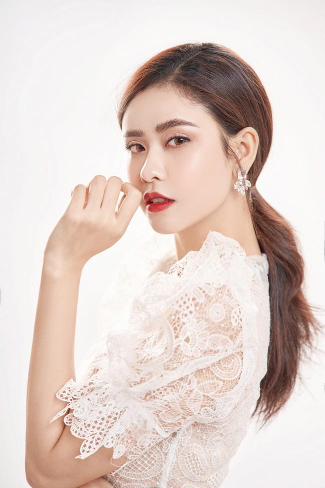 Trương Quỳnh Anh ngày càng xinh đẹp và trưởng thành hơn từ sau hôn nhân trục trặc - Ảnh 1.
