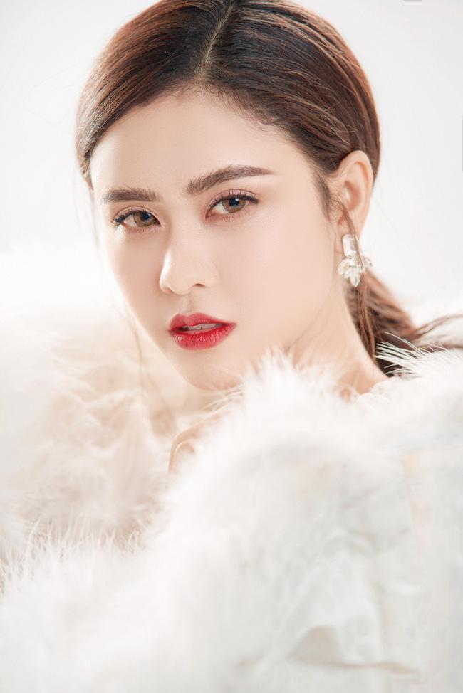 Trương Quỳnh Anh ngày càng xinh đẹp và trưởng thành hơn từ sau hôn nhân trục trặc - Ảnh 2.