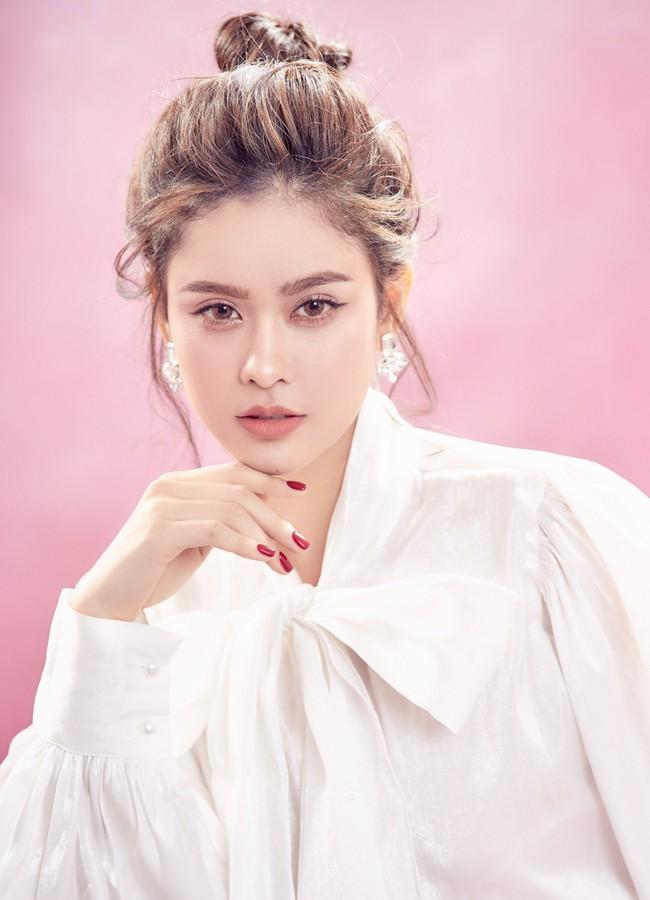 Trương Quỳnh Anh ngày càng xinh đẹp và trưởng thành hơn từ sau hôn nhân trục trặc - Ảnh 3.