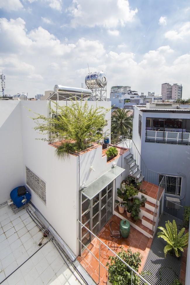Ngôi nhà vừa để ở vừa cho thuê đẹp khó tin của gia đình trẻ ở Việt Nam khiến báo Mỹ thán phục - Ảnh 17.