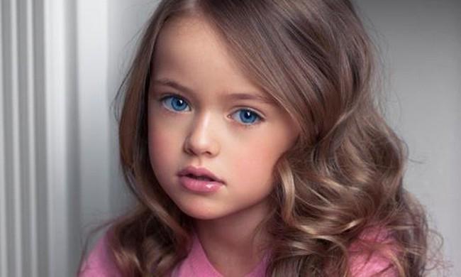 Top người mẫu nhí nhỏ tuổi nhất thế giới: Mới lên 5 đã trở thành các mỹ nam mỹ nữ hàng đầu làng giải trí! - Ảnh 1.