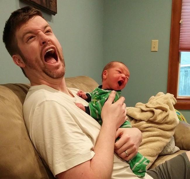 Hóa ra đây là lý do vì sao trẻ luôn có xu hướng thích bám bố hơn mẹ hoặc ngược lại  - Ảnh 1.