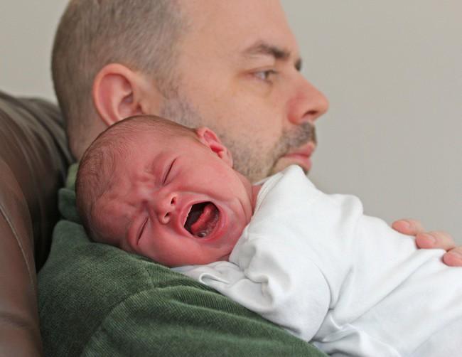 Hóa ra đây là lý do vì sao trẻ luôn có xu hướng thích bám bố hơn mẹ hoặc ngược lại  - Ảnh 2.