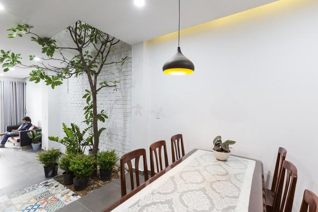 Ngôi nhà ống 4 tầng chi phí chưa tới 900 triệu của gia đình trẻ ở quận 9, Sài Gòn - Ảnh 5.
