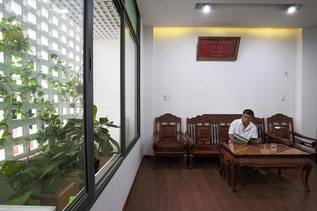 Ngôi nhà ống 4 tầng chi phí chưa tới 900 triệu của gia đình trẻ ở quận 9, Sài Gòn - Ảnh 8.
