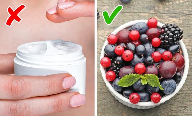 5 cách tự nhiên cứu nguy cho da mặt chảy xệ, da cổ nhăn nheo mà không cần phẫu thuật thẩm mỹ hay tiêm botox - Ảnh 4.