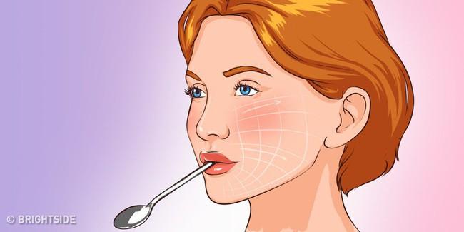 5 cách tự nhiên cứu nguy cho da mặt chảy xệ, da cổ nhăn nheo mà không cần phẫu thuật thẩm mỹ hay tiêm botox - Ảnh 6.