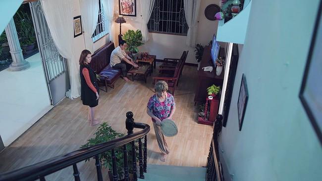 Gạo nếp gạo tẻ: Bà Mai cũng choáng vì Hân mất sạch tự trọng, bắt Kiệt trả tiền nuôi con còn mình đi ngoại tình - Ảnh 2.