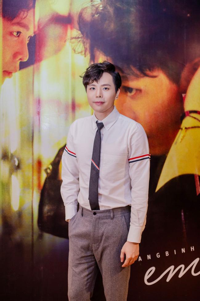 Midu trẻ đẹp như nữ sinh đến chúc mừng bạn thân Trịnh Thăng Bình - Ảnh 2.