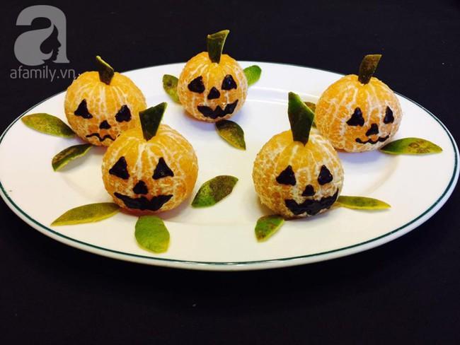 Chỉ với 3 bước và 2 nguyên liệu bạn có thể làm đồ ăn Halloween cực cute cho bé! - Ảnh 4.