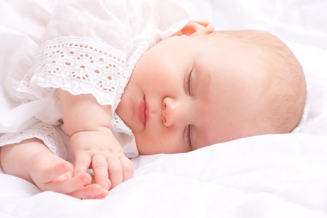 Nuôi con nhàn tênh kiểu Nhật để bé đi ngủ đúng giờ và cả đêm không khóc, mẹ hãy làm những điều dưới đây - Ảnh 4.