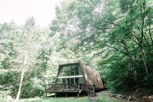 7 ngôi nhà nhỏ được cải tạo có thiết kế nội thất hiện đại khác xa với cảnh quan bên ngoài - Ảnh 8.