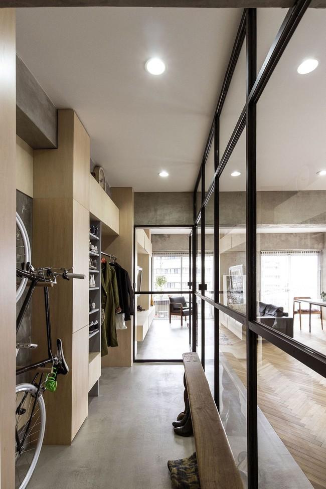 Ấn tượng với cách cải tạo căn hộ ở Nhật Bản với cửa xoay, tường kính và kết cấu đa dạng - Ảnh 7.