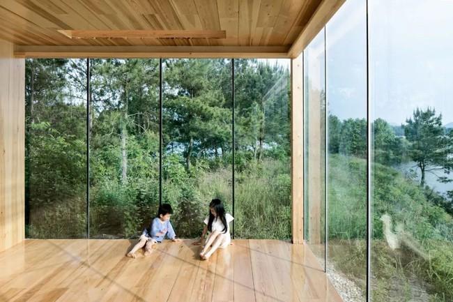 Ngôi nhà trong suốt ngập tràn hạnh phúc của gia đình trẻ bên phong cảnh non nước hữu tình - Ảnh 13.