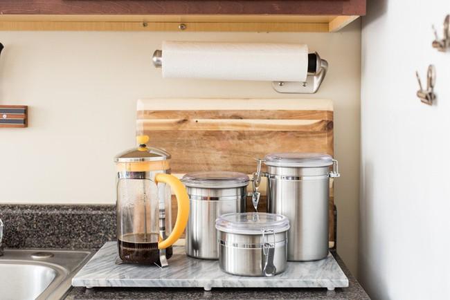 Căn hộ 32m² của cô nàng mê nấu ăn đến nỗi dành nửa diện tích nhà để làm bếp - Ảnh 15.