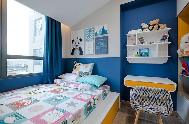 Căn hộ nhỏ 60m² màu vàng - lam đầy cảm hứng của bà mẹ đơn thân ở Sài Gòn - Ảnh 9.
