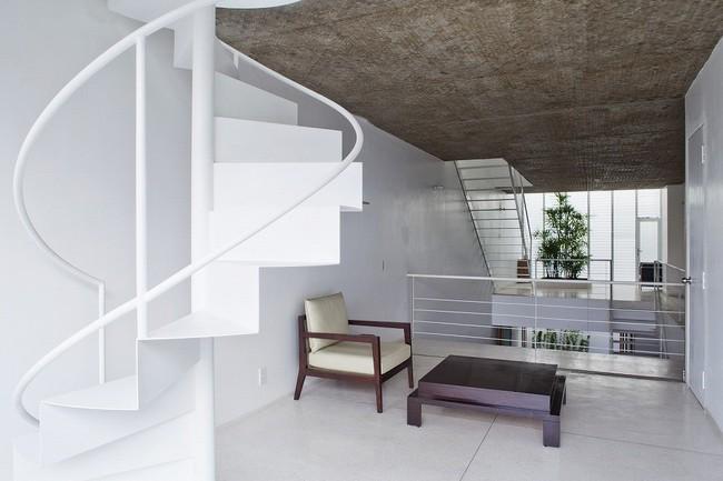 Ngôi nhà tối giản có màu trắng tinh khôi nổi bật trên đường phố Sài Gòn của người phụ nữ 30 tuổi - Ảnh 10.