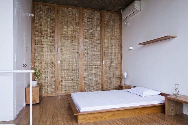 Ngôi nhà tối giản có màu trắng tinh khôi nổi bật trên đường phố Sài Gòn của người phụ nữ 30 tuổi - Ảnh 16.