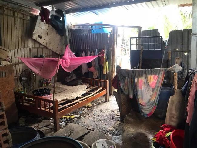 Tiếp tục điều tra vụ bé gái 5 tuổi nghi bị gã hàng xóm U60 hiếp dâm nhiều lần - Ảnh 1.
