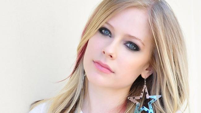 Căn bệnh này đã khiến ca sĩ Avril Lavigne phải sống ẩn thân suốt 5 năm qua và có lúc cảm thấy mình đã cận kề cái chết - Ảnh 1.