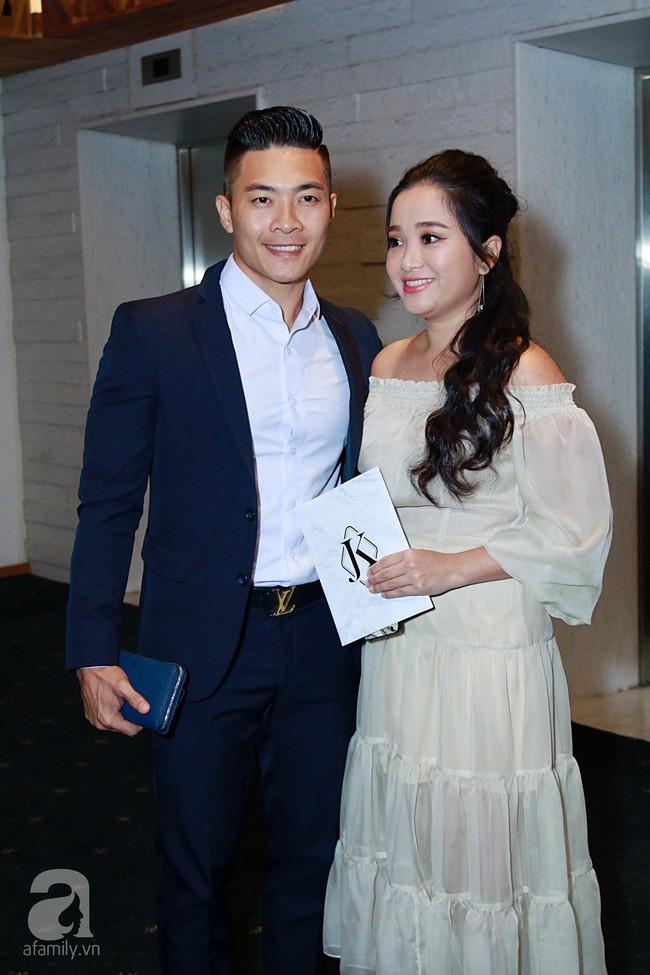 Hồ Ngọc Hà cùng dàn khách mời sao hạng A ồ ạt đổ bộ tiệc cưới Lan Khuê - Tuấn John - Ảnh 18.