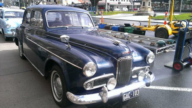 Có một sự thật bất ngờ là Nữ hoàng không có bằng lái xe nhưng bộ sưu tập xe hơi của bà khiến nhiều người phải choáng ngợp - Ảnh 6.