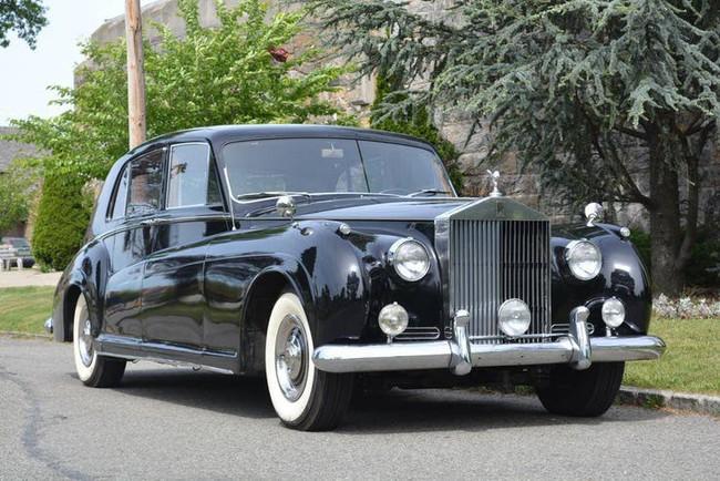 Có một sự thật bất ngờ là Nữ hoàng không có bằng lái xe nhưng bộ sưu tập xe hơi của bà khiến nhiều người phải choáng ngợp - Ảnh 8.