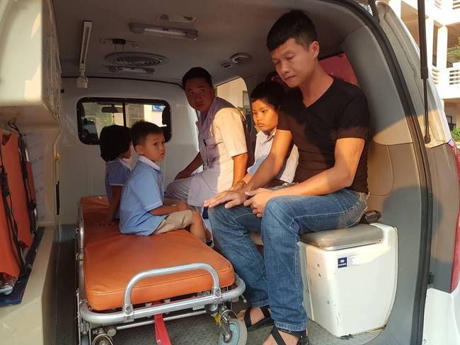 Vụ hàng trăm học sinh ở Ninh Bình nghi ngộ độc: Ruốc gà có mùi kinh lắm con không ăn - Ảnh 3.