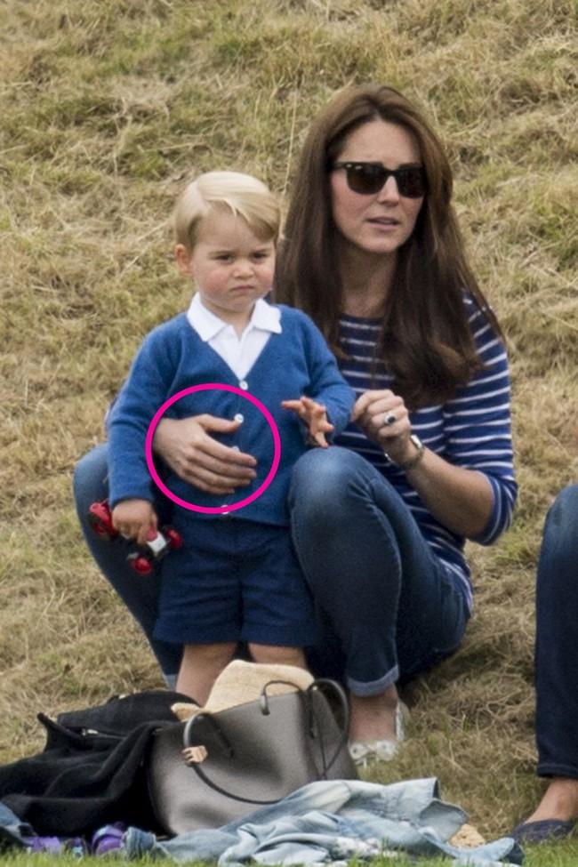 Chuyên gia phân tích  điểm tương đồng và khác biệt thú vị trong cách dạy con của Công nương Diana và Kate Middleton - Ảnh 4.