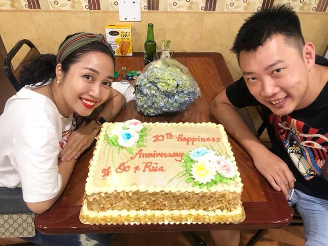 Không ồn ào rình rang, vợ chồng Ốc Thanh Vân tổ chức tiệc kỷ niệm 10 năm ngày cưới cực giản dị tại Mỹ - Ảnh 2.