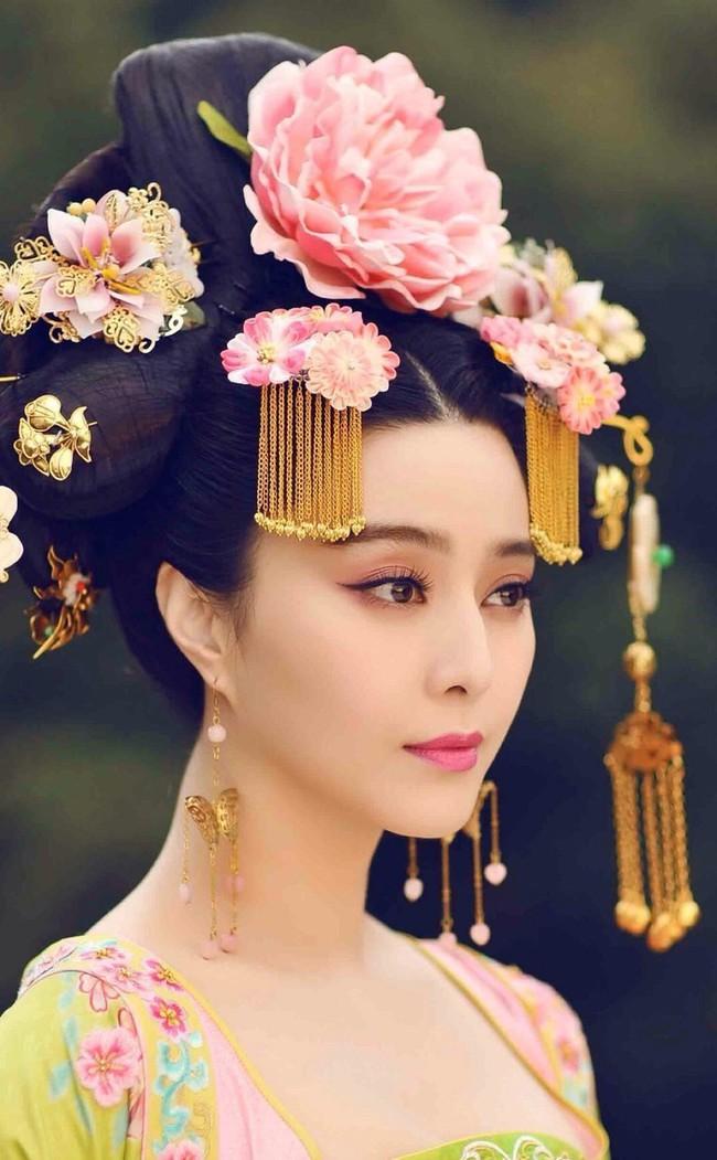Châu Tấn gây sốt với Như Ý truyện, fan gọi tên Phạm Băng Băng: Cảm ơn chị vì đã không nhận vai nữ chính!  - Ảnh 2.