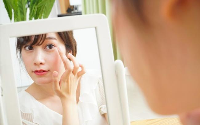 Đến Nhã Phương chắc cũng cần áp dụng cách này mới có thể giảm bớt nếp nhăn quanh mắt - Ảnh 1.