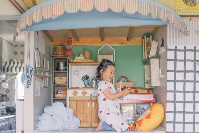 Căn hộ tràn ngập sắc màu hạnh phúc, góc nào cũng vô cùng đặc biệt của bà mẹ đơn thân với 2 con nhỏ ở Tokyo, Nhật Bản - Ảnh 13.