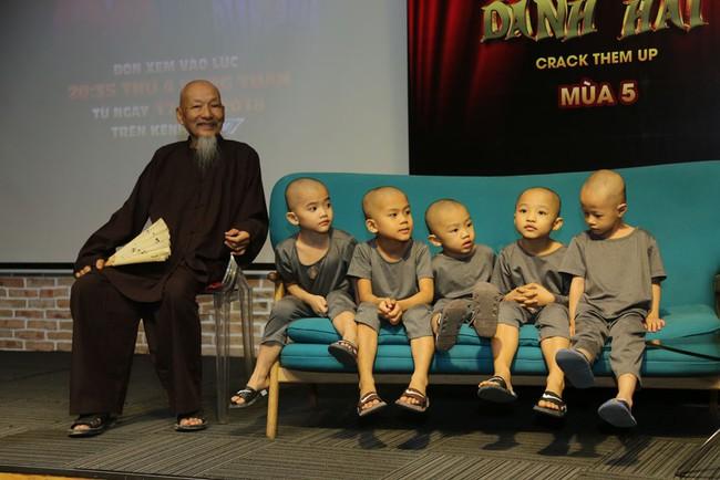 Trường Giang - Ngô Kiến Huy bỏ họp báo Thách thức danh hài nửa chừng để chạy đi quay gameshow khác - Ảnh 9.