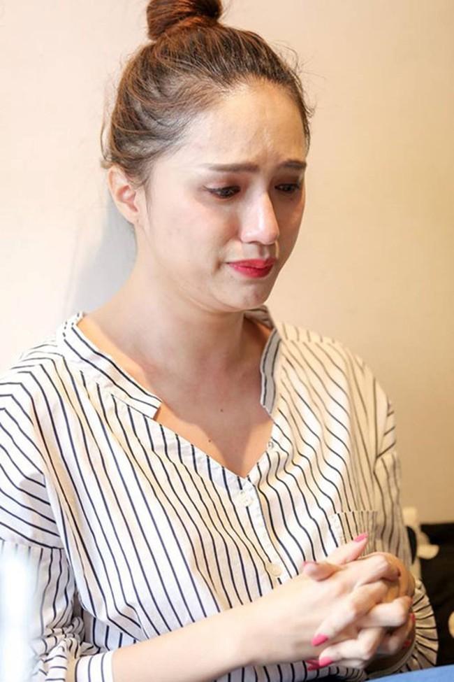 Sao Việt ngược đãi bản thân vì stress: Tự bóc tay đến rỉ máu, thường xuyên nghĩ đến việc tự tử - Ảnh 4.